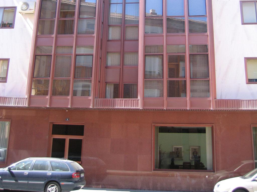 Ampliaci n muebles gasch y 4 viviendas ar valo estudio for Muebles en arevalo