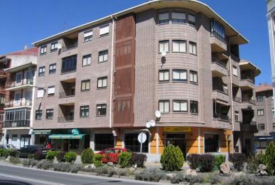 Edificio de 16 viviendas y locales comerciales en Avd. Emilio Romero. Arévalo