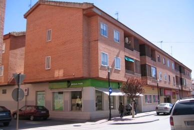 Edificio de 20 viviendas y locales comerciales en C/ Teso Nuevo. Arévalo