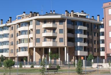 Edificio de 27 Viviendas. Plan Parcial El Brasero. Residencial La Serrota en Ávila