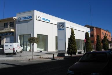 Nave Mazda. Calle Río Chico en Ávila